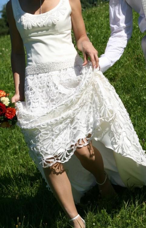 Vestuvinė suknelė su nerta apatine dal