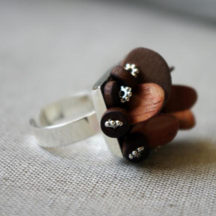 Prie jūros - žiedas