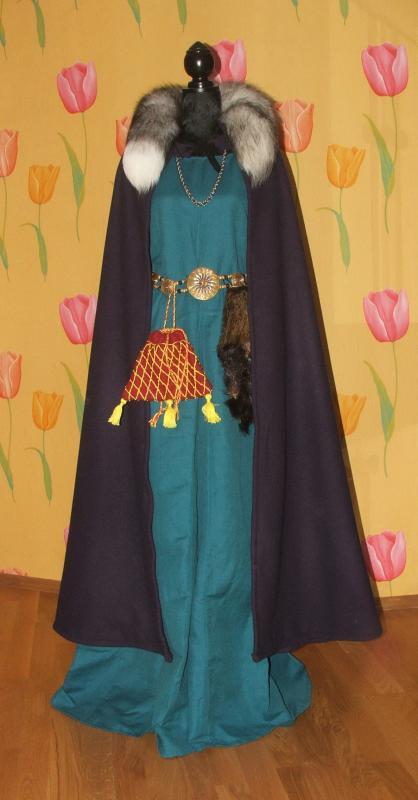 XIII a. Freilinos kostiumas