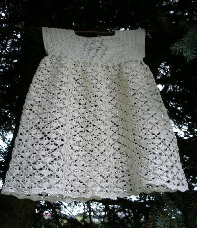 balta krikšto suknelė Mažajai