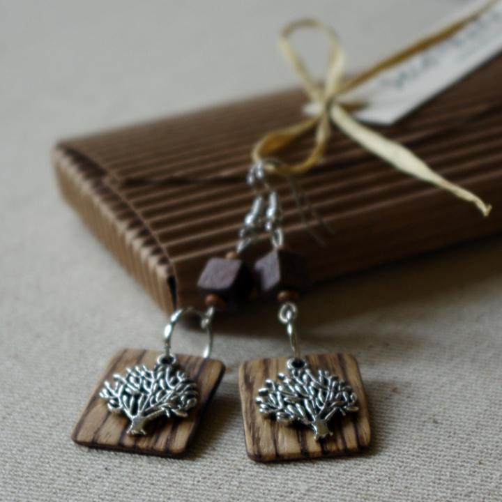 Medeliai - Zebrano medžio auskarai