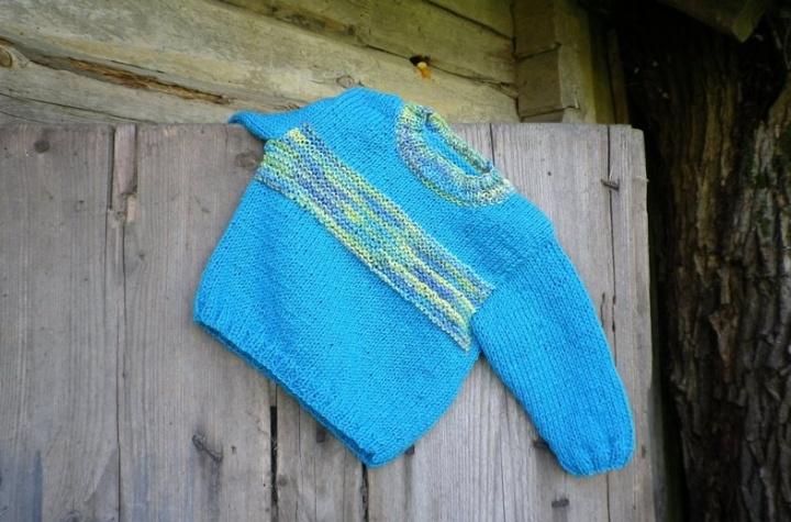 Megztinukas mažėliui