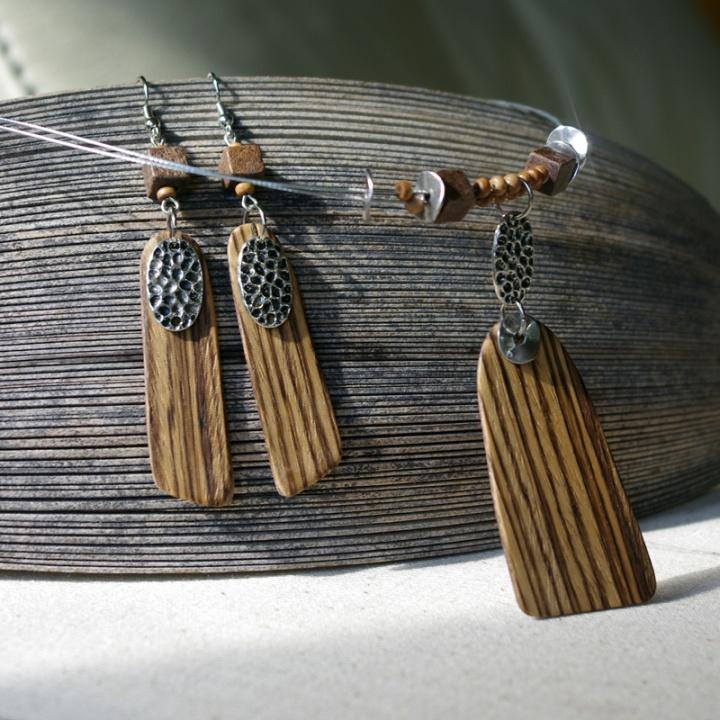 Zebrano medžio auskarai