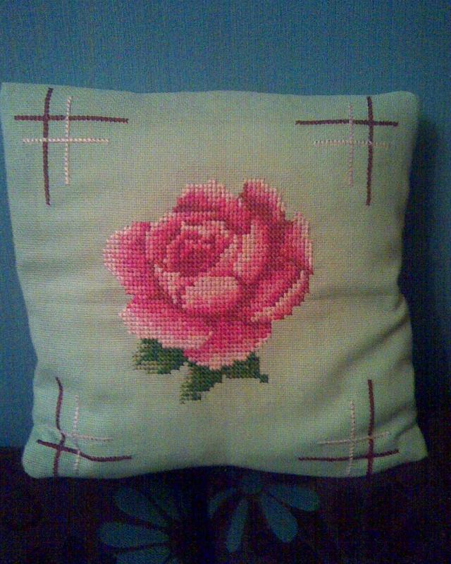 pagalvele su roze
