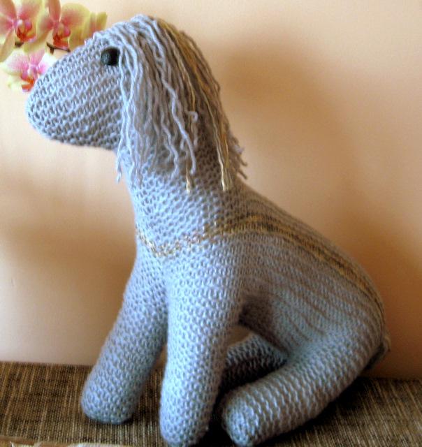 Pilkas arkliukas
